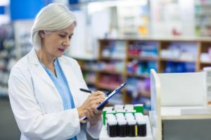 Nitazoksanid udowodnił większą skuteczność w porównaniu z placebo, w terapii umiarkowanego przebiegu COVID-19 (fot. Shutterstock).