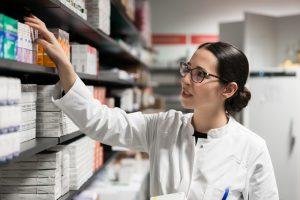 Jak wygląda kontrola apteczek oddziałowych?