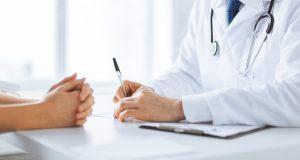 Jak sądzi wielu ekspertów, rezultaty tego badania mogą stanowić podstawę do zmiany standardów leczenia zaawansowanych nowotworów nosowej części gardła (fot. Shutterstock).